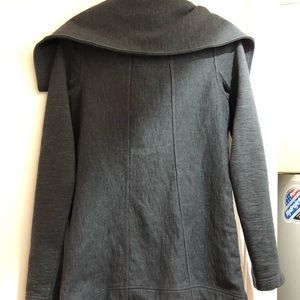 lululemon athletica Jackets & Coats - LULULEMON winter coat, size 4